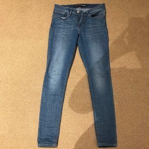 Express legging mid rise jean size 6 R